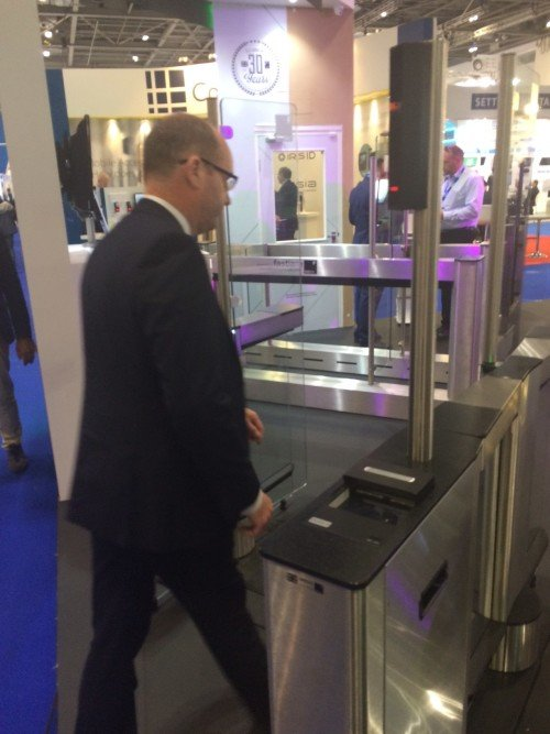Gary James showcases IDL Fastlane turnstiles with FaceSentinel biometric solution