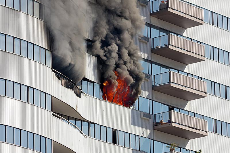 UL-BuildingSafetyFEATURED-TallBuildingFire-21